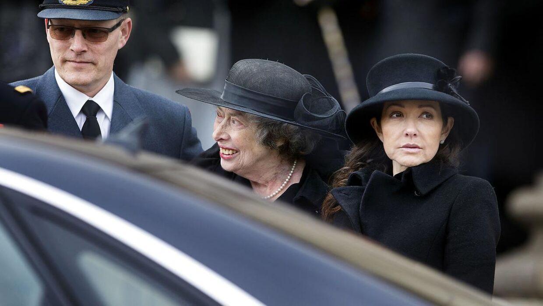 Her ses prinsesse Elisabeth sammen med grevinde Alexandra efter Prins Henrik bisættelse tilbage i februar i år.