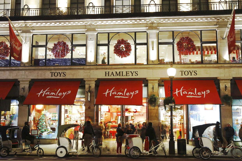 Hamleys butik i London fylder fire etager og er en attraktion for både store og små legebørn.
