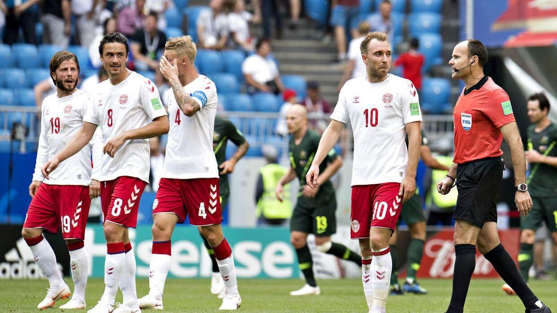 Australien gjorde det svært for Danmark, der kun fik 1-1 fra den anden kamp ved VM.