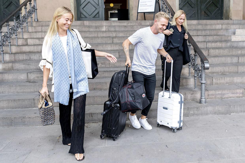 Kevin Magnussen og kæresten Louise Gjørup efter første retsmøde i sagem mod Dorte Riis Madsen. (Foto Bax Lindhardt)
