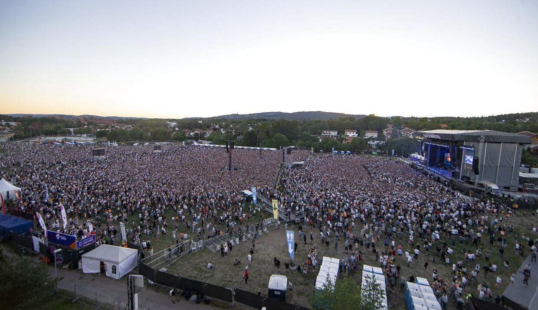 Her ses den scene Eminem optrådte på i Voldsløkka i Oslo. Forrest foran scenen var det såkaldte 'golden circle'-område, hvor gæster havde betalt 500 kr. ekstra for at stå.