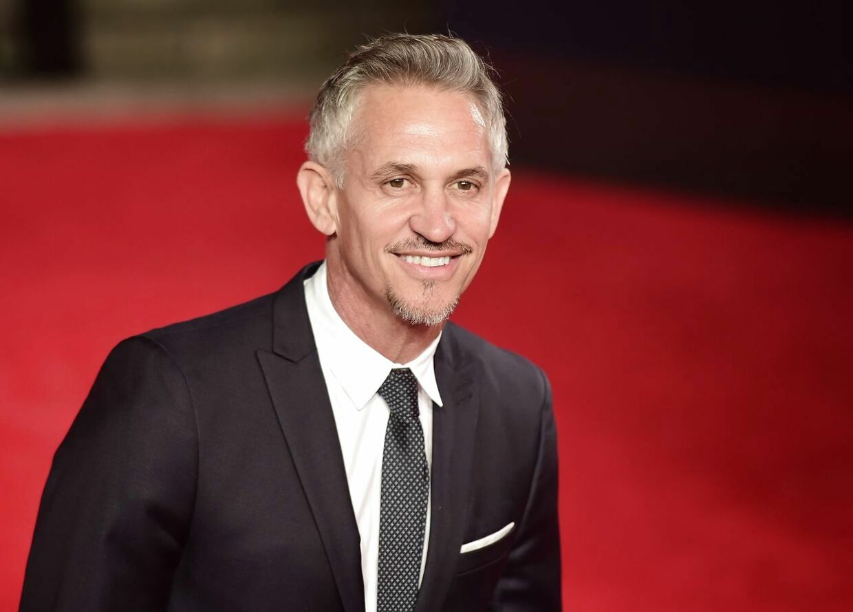 Former England internatonal Gary Lineker poses on arrival for the world premiere of the new James Bond film 'Spectre' at the Royal Albert Hall in London on October 26, 2015. The film is directed by Sam Mendes and sees Daniel Craig play suave MI6 spy 007 for a fourth time. AFP PHOTO / LEON NEAL