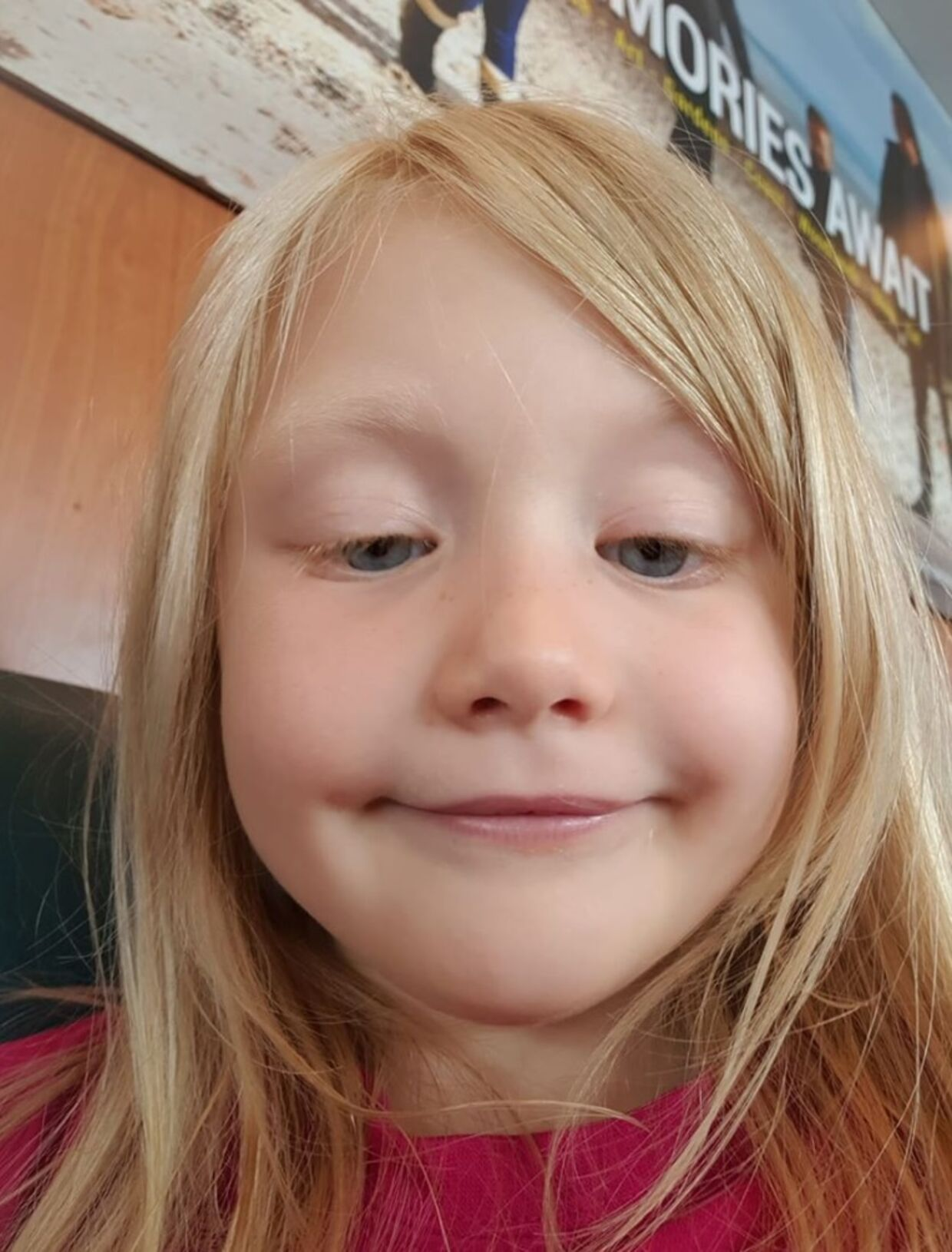 Alesha MacPhail blev også efterlyst på Facebook af sin bedstemor. Det var her, hendes mor første gang hørte, at noget var helt galt.