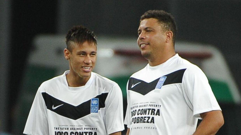 Neymar og Ronaldo til en velgørenhedskamp fra 2012.