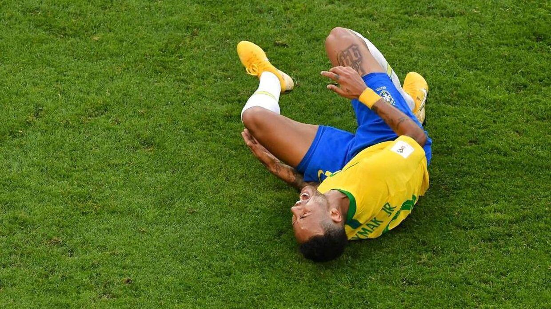 Neymar under kampen mod Mexico.