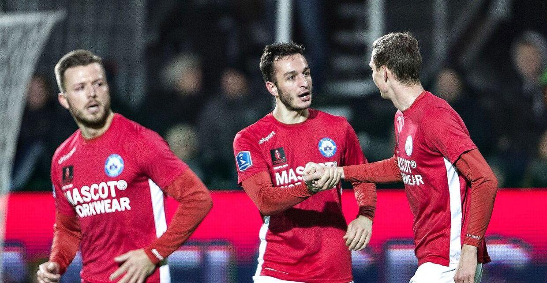 Både Esbjerg og Silkeborg roser den nye superligastruktur for at tilføre flere penge til den næstbedste række. Her er det Silkeborgs Davit Skhirtladze, der har scoret til 1-0 i Alka Superliga-kampen mellem Silkeborg IF og Brøndby IF på Jysk Park i Silkeborg, søndag den 26. november 2017.