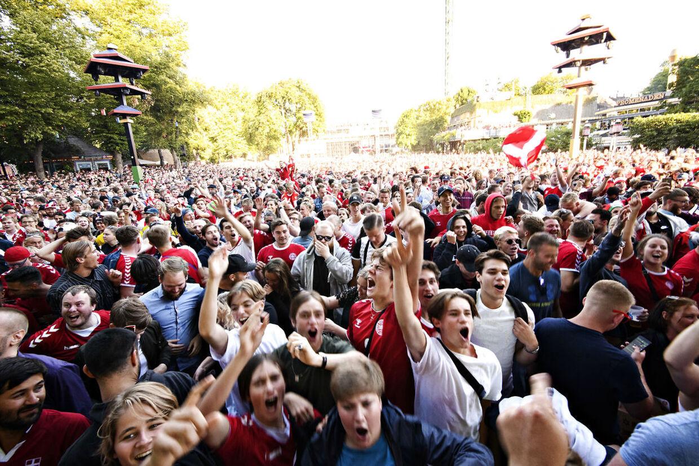 VM 1/8-finalen mellem Danmark og Kroatien blev vist på storskærm i Tivoli