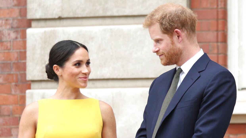 Siden deres bryllup har prins Harry og Meghan Markle haft mindre fysisk berøring i offentligheden.
