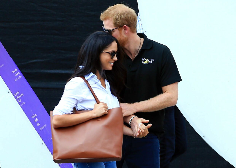 Da Meghan Markle og prins Harry blot var kærester, var der masser af kram og flettede fingre.