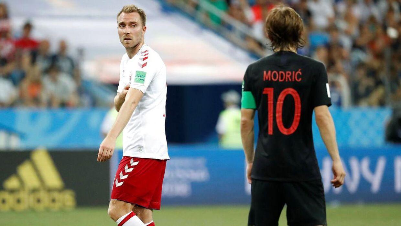 Christian Eriksen (tv.) stod overfor Luka Modric i Kroatien-kampen.
