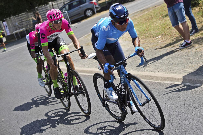 Nairo Quintana (th.) kæmper for at komme tilbage til feltet.