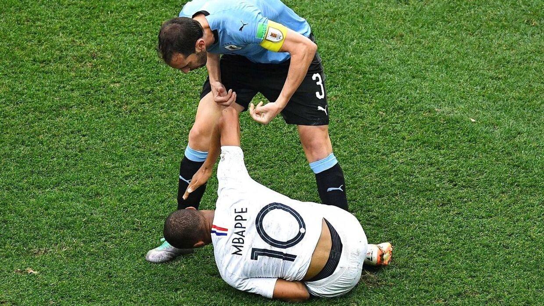 Mbappé gad ikke have en hjælpende hånd.