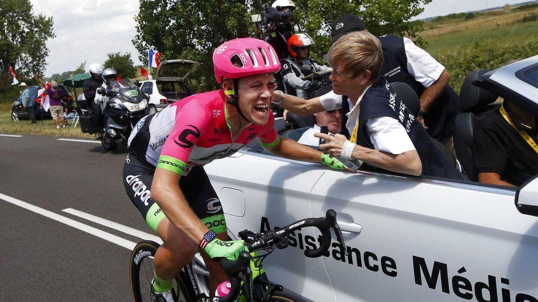 Lawson Craddock modtog behandling på cyklen efter sit styrt.