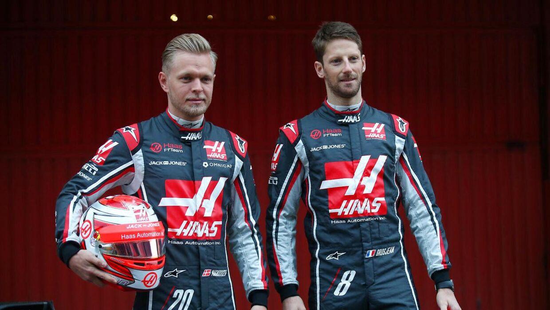 Romain Grosjean og Kevin Magnussen skal uden tvivl have en alvorssnak efter løbet i England. (REUTERS/Albert Gea)