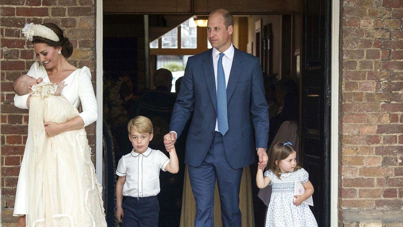 Den britiske prins Williams tredje barn, prins Louis, blev døbt mandag den 9. juli 2018. Fra venstre: Kate Middleton med sin lille søn prins Louis, prins George, prins William og prinsesse Charlotte.