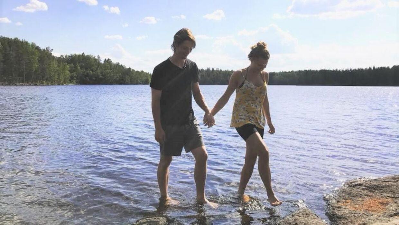 Angelica Henriksson på 21 år og Christoffer Berström på 22 år fik sig noget af en overraskelse, da de åbnede postkassen.