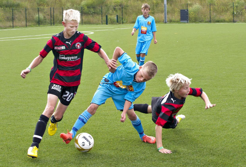 Danske fodboldbørn mister evnen for fair play, når DRs kommentatorer hylder såkaldte professionelle frispark. Det skete under Danmarks kamp mod Kroatien ved VM i fodbold, mener børnepsykolog John Halse.
