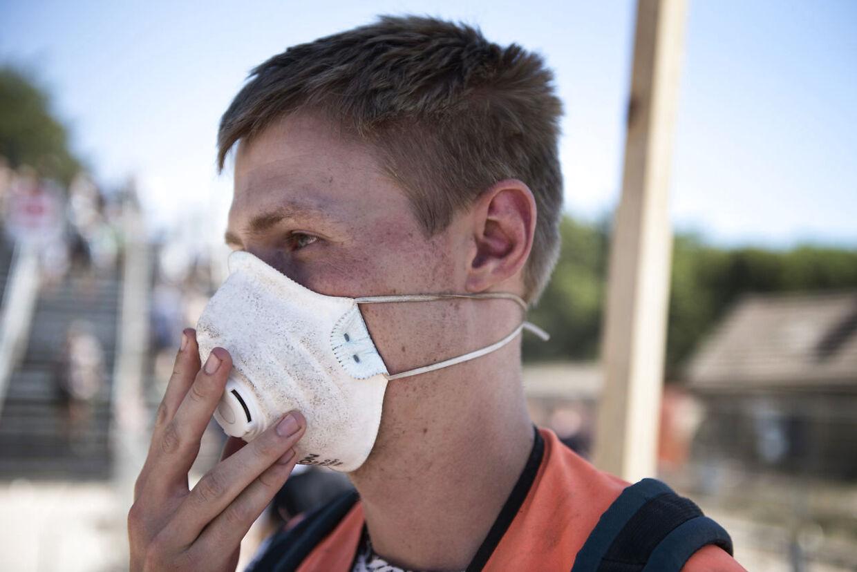 På årets Roskilde Festival blev støvmasker brugt som værn mod de store mængder støv.