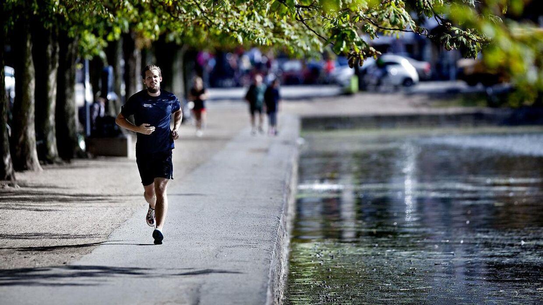 Søerne er et populært sted at jogge - bare ikke lige for tiden. (Arkivfoto/Scanpix)