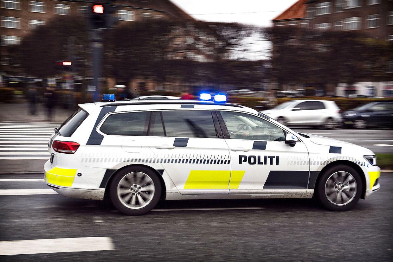 En mand stak fredag aften af efter soloulykke på Holbækmotorvejen.