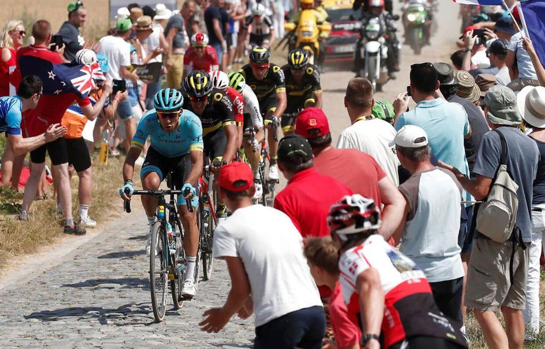 Tidligt på dagens etape kørte et udbrud af sted. Heriblandt Astana-rytteren Omar Fraile.