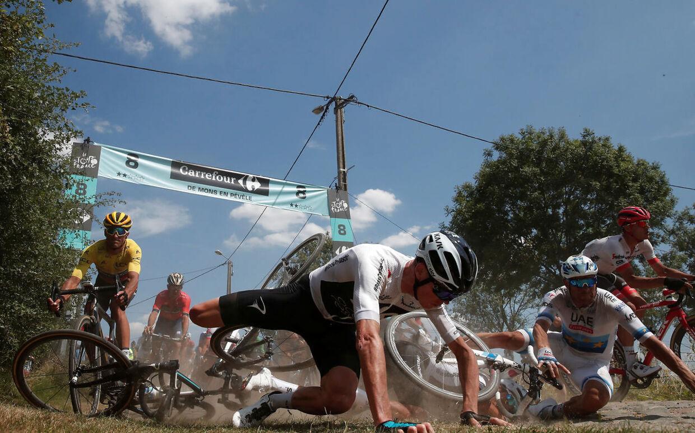 Chris Froome, da han styrtede på dagens etape.