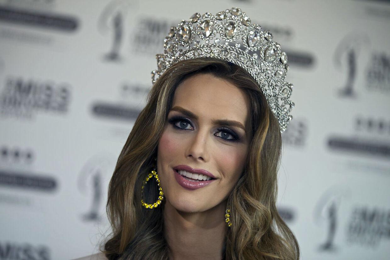 Angela Ponce er den første transperson, der deltager i den internationale skønhedskonkurrence Miss Universe. Den 29. juni vandt Angela Miss Universe Spain.