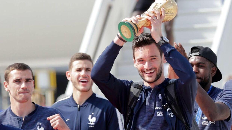 Det franske landshold landede mandag.