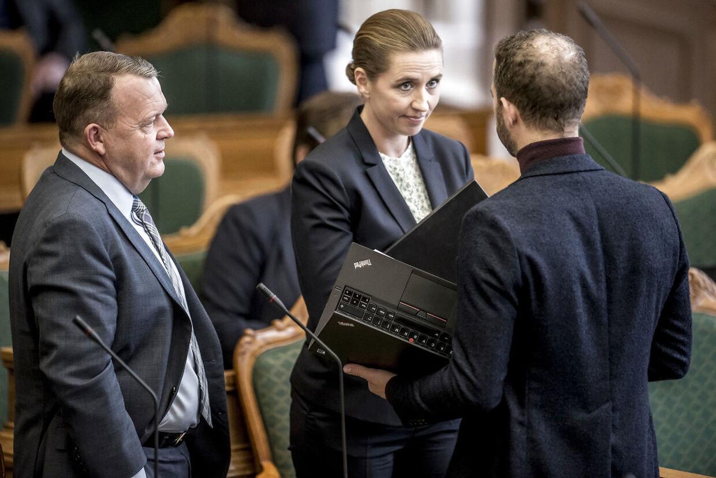 Mette Frederiksen (S) ligger meget langt fra Morten Østergaard (R) i udlændingepolitikken.