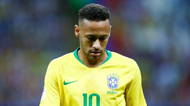 Neymar ser skuffet ud i slutningen af VM-kvartfinalen mellem Brasilien og Belgien.