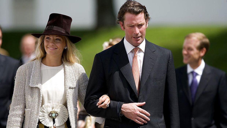 Royal Dåb. Barnedåb for prinsesse Isabella, der blev døvt i Fredensborg Slotskirke. Her ses Baronesse Caroline Fleming og hendes eksmand Rory Fleming.
