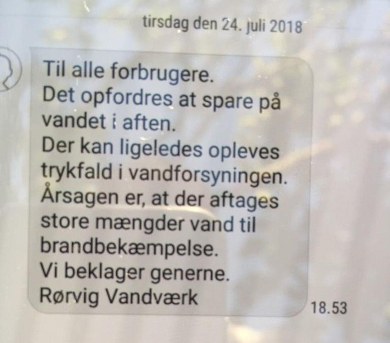 SMS fra Rørvig Vandværk, som er blevet sendt ud til forbrugerne.
