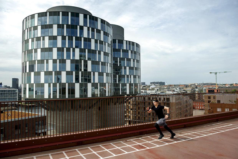 Parkeringshuset Lüders med motionsanlæg på toppen i Københavns nye Nordhavnskvarter.