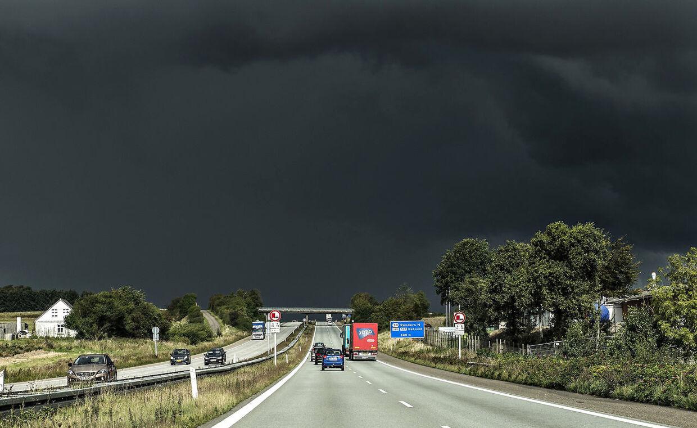 54 millimeter regn: Her væltede vandet ned under skybrud | BT Danmark - www.bt.dk