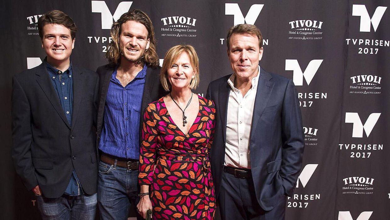 ARKIVFOTO af Mikkel Beha Erichsen med hustruen Marian og sønnerne Alfred og Emil.