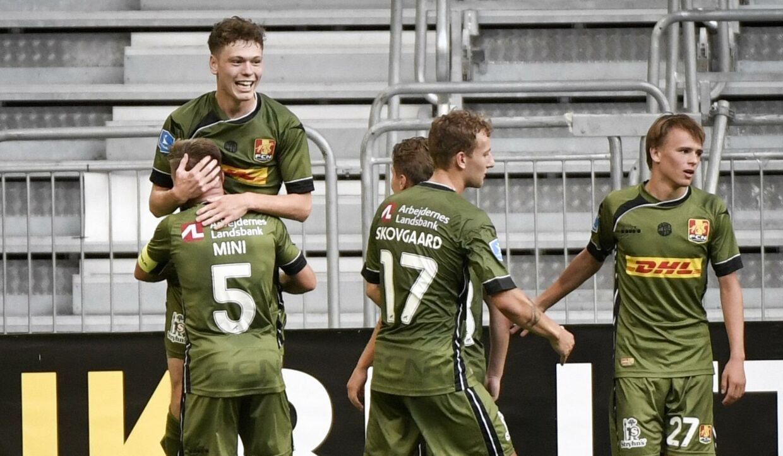 FC Nordsjællands spillere fejrer Andreas Olsens 1-0-scoring mod AIK i Europa League-kvalifikationen. 11610 Stina Stjernkvist/Tt/Ritzau Scanpix