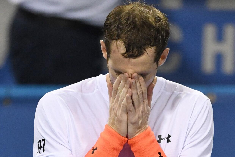 Følelserne fik frit løb, da Andy Murray natten til fredag sikrede sig avancement fra tredje runde ved Citi Open. Nu har han trukket sig fra turneringen. Mitchell Layton/Ritzau Scanpix
