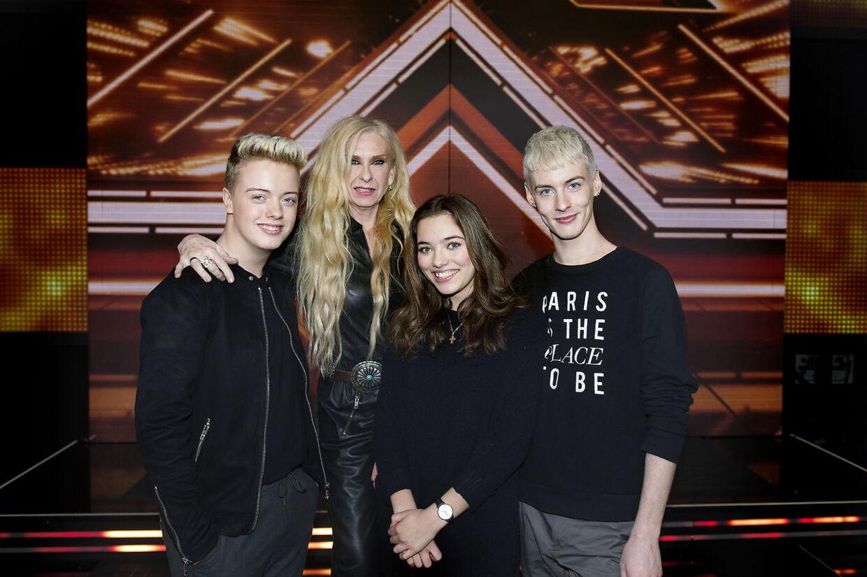 Sanne Salomonsen med sine tre deltagere Oliver, Vita og Sigmund i den seneste omgang 'X Factor'.