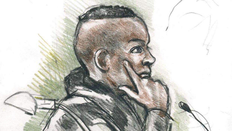 Liban Ahmed Saleban Elmi var en af Omar El-Husseins fire venner, der blev tiltalt for medvirken til terrorangrebet i København i februar 2015. Han blev frikendt for terror-medvirken, men idømt to et halvt år fængsel for at have været med til at skjule terroristens stjålne automatriffel efter angrebet mod Krudttønden. Nu er han igen tiltalt for ulovlig våbenbesiddelse under skærpende omstændigheder.