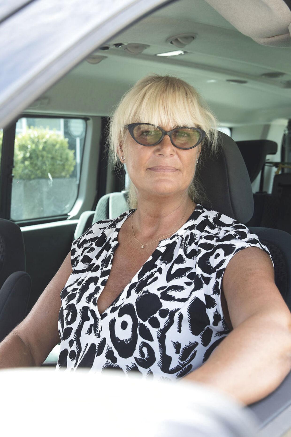 »Jeg var rystet, da jeg fik besked fra politiet om, at de vil afslå at forny mit kørekort på baggrund af anbefalingen fra Styrelsen for Patientsikkerhed. Og det er jeg stadig, for jeg er 100 procent afhængig af min bil. Jeg har intet gjort forkert,« siger 56-årige Marianne Fridthjof.Foto: Mikkel Berg