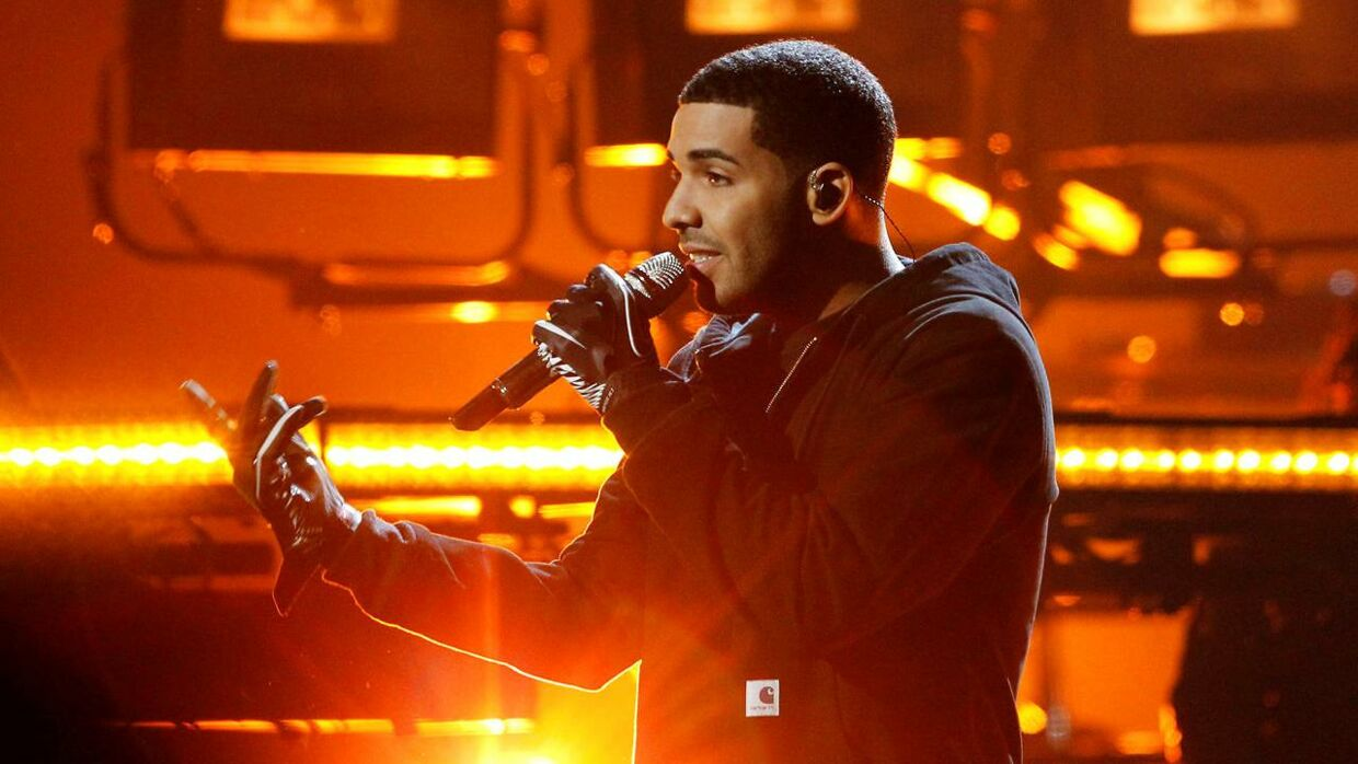 Drake til American Music Awards i Los Angeles, 2011.