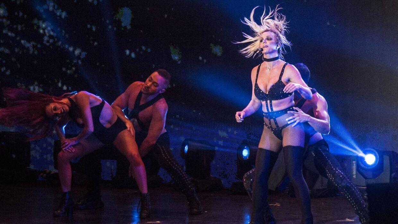 Britney Spears har fået meget kritik for sin optræden på Smukfest onsdag.