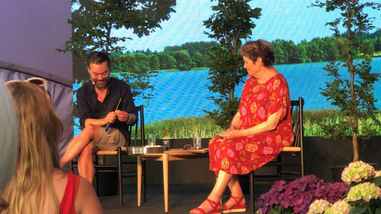 Chili Klaus og Ghita Nørby fortalte historier på Smukfest.