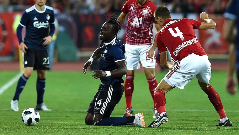 Dame N'Doye blev ramt i hovedet af Bozhidar Chorbadzhiyski, som så rødt mod FCK.