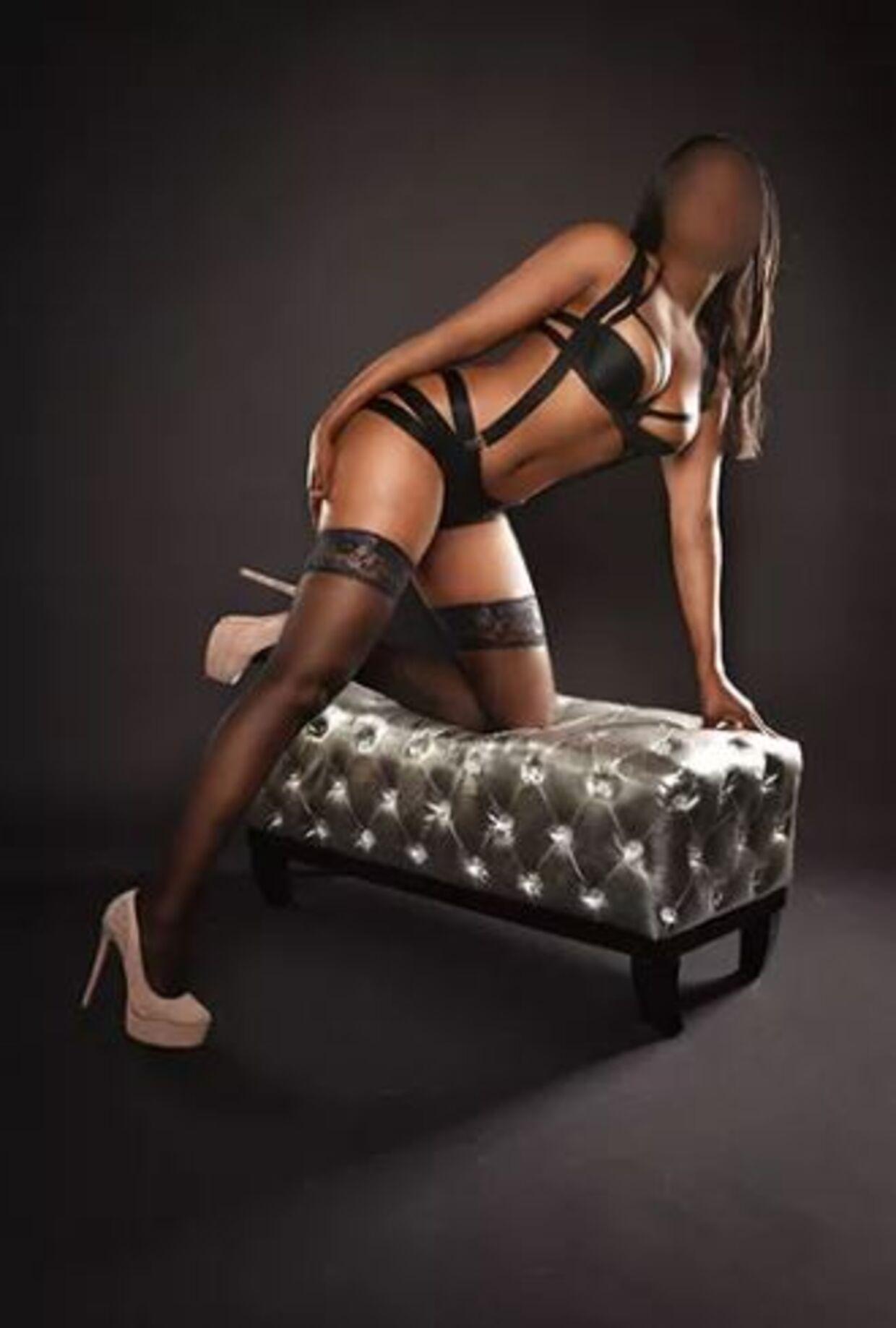 Sådan præsenteres den prostituerede Brandy på sit bureaus hjemmeside.