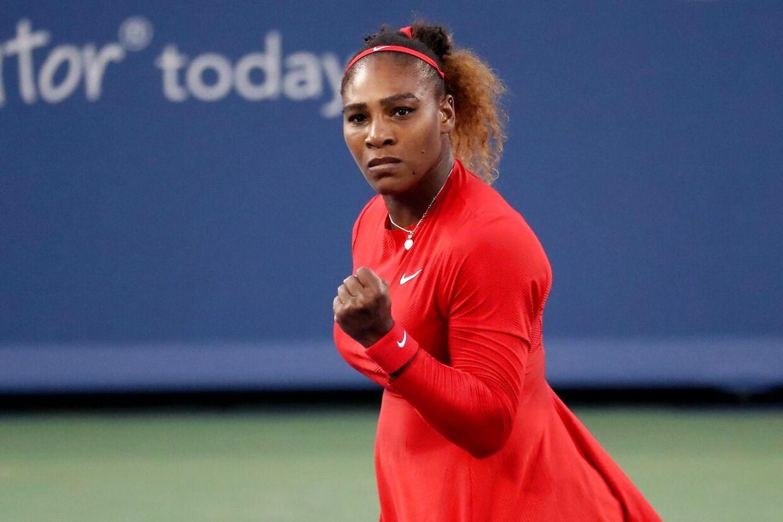 Serena Williams er også med i turneringen i Cincinnati. Her har hun vundet sin første kamp.