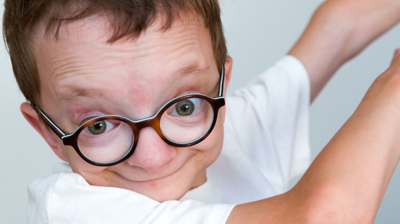 Piet er 11 år og har diagnosen Saul Wilson syndrom, som kun 13 mennesker i verden er diagnosticeret med. Foto: Lasse Lundberg Andreasen/TV 2.