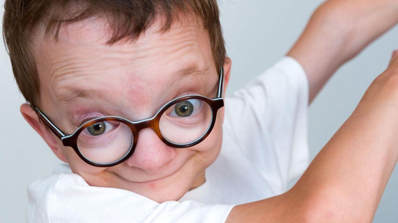 Piet lider af en sjælden sygdom, Saul Wilson-syndrom. Et syndrom, man mener, der kun er omkring 13 andre tilfælde af i hele verden. Foto: Lasse Lundberg Andreasen/TV2.