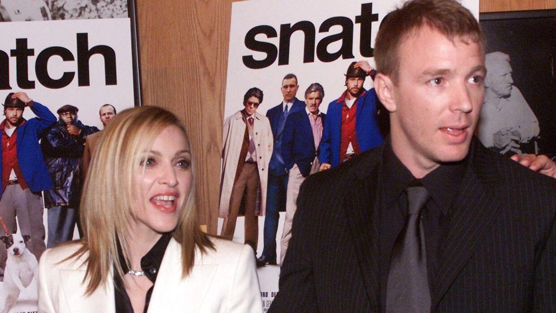 Madonna med sin eksmand Guy Ritchie ved en premiere i 2001. Parret blev gift i 2000 og skilt otte år senere.