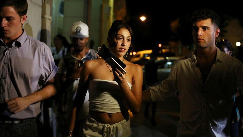 Lourdes Leon (i midten) i Cuba i 2016
